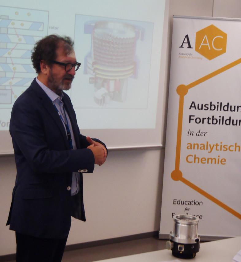 Univ.Prof. Mag. Dr. Günter Allmaier, Leiter Institut für Chemische Technologien und Analytik